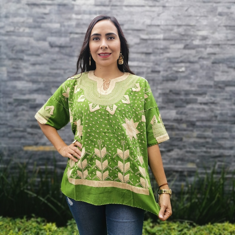 Gorgeous Vintage Embroidered  hand woven  Ethnic Floral Huipil  Shirt