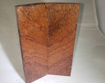 Stabilized sapele knife scales