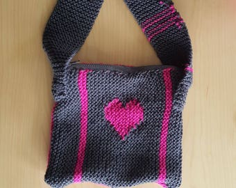 Gray Pink Heart Over-The-Shoulder Knitted Zipper Purse