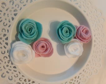 Handmade soft mint/baby pink/white scallop small felt roses.