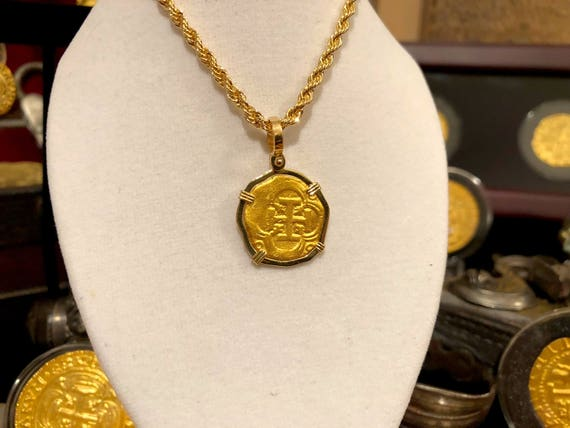 Reproduction Pirate Gold Coins Atocha Gold Shipwreck Treasure 2 Escudos  24kt Doubloon Jewelry Necklace Pendant