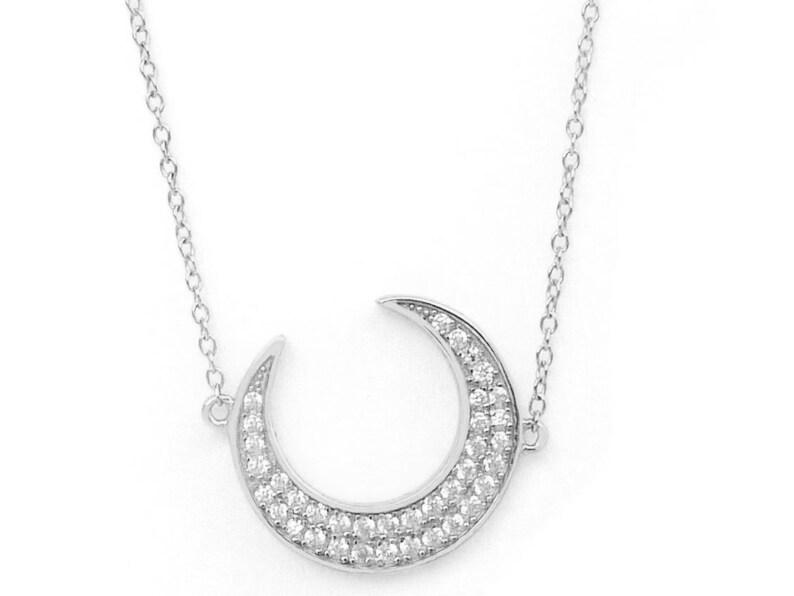 83a0360ece89 Colgante media luna  Colgante de plata  Collar luna  Colgante