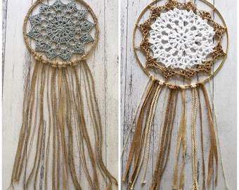 Crocheted dream catcher in white or grey