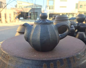 Handmade Wood-Fired Korean Onggi Ceramic Tea Pot, Natural Glaze, Gong Fu Cha, Tea Ceremony