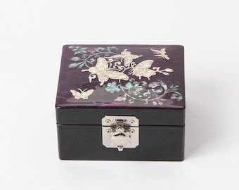 Handmade Korean Wooden Najeon Chilgi Jewerly Box Inlaid with Nacre, Mother of Pearl, Hanji and Butterfly Patterns, Small
