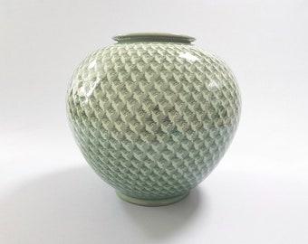 Handmade Korean Ceramic Inlaid Celadon (상감 청자) Moon Jar - One Thousand Cranes