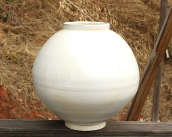Handmade Wood-fired Korean Natural Glaze Baekja White Porcelain Colossal Jar (백자대호)