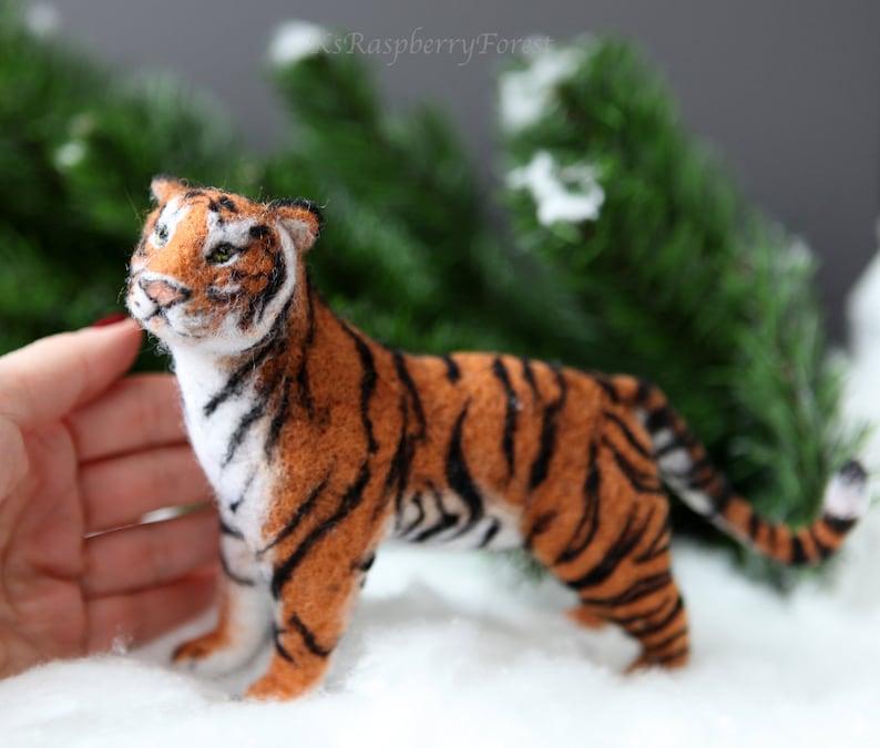 Felted tiger Handmade Tiger Soft sculpture Needle felted tiger Amur tiger,Wool sculpture