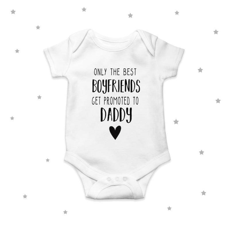 The Best Parents Get Promoted To Grandparents Cute Unisex Baby Grow Bodysuit