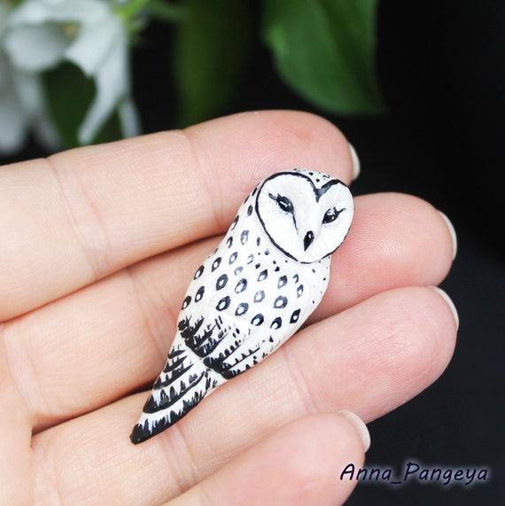 Brooch white pearl owl
