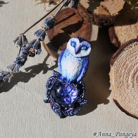 Night secret. Brooch owl