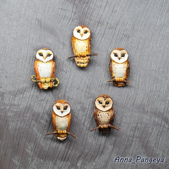 Barnowl brooch. Small brooch with an owl