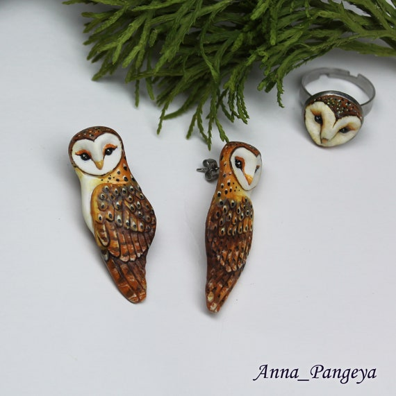 Very light barn owl stud earrings