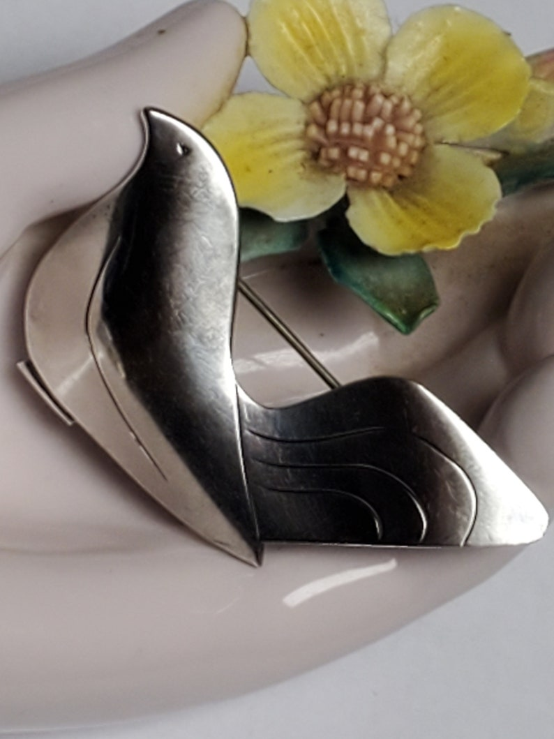 Denmark VW Fammik Signed Sterling Silver Mid Century Modern Modernist Wearable Art Abstract Peaceful Bird Dove Vintage Brooch Pin