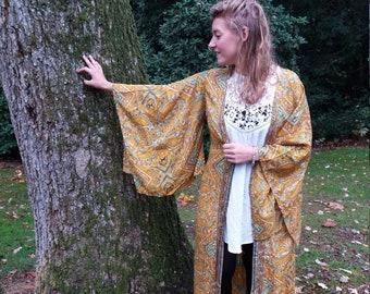 5c96bb402613 Big sleeve kimono