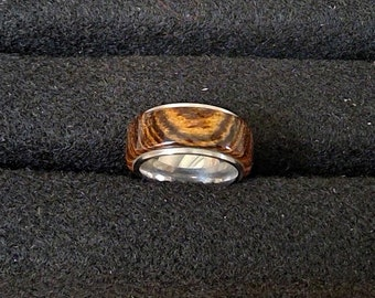 Wood and steel ring. Exotic Bocote wood
