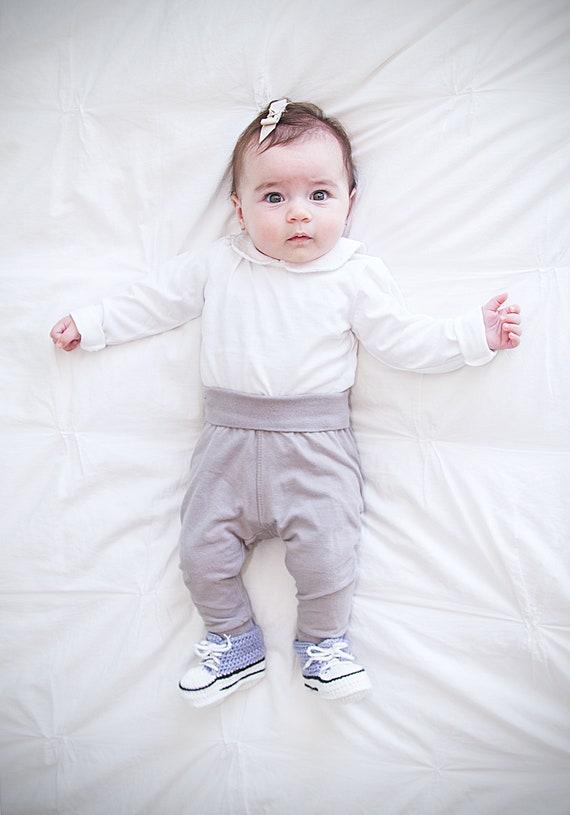 Converse stricken Booties, Neugeborene, Babyschuhe, Chucks Chuck Taylor, graue Krippe Schuhe