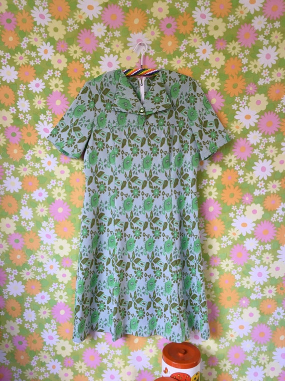 1970's Groovy Green Abstract Dress