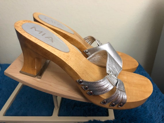 1980s mia womans mules, size 9m, brand new