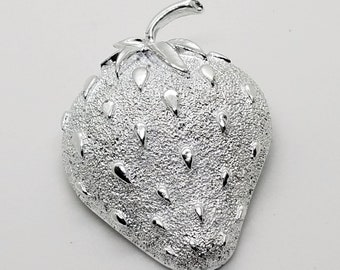 Vintage 1960's Sarah Coventry Silver Tone Strawberry Ice Fruit Brooch Lapel Pin