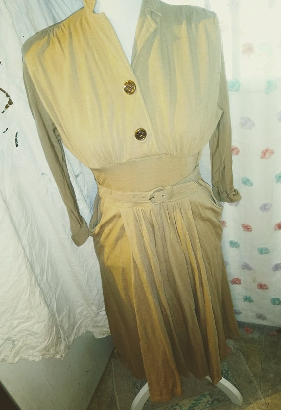 1940s Jersey Day Dress With Belt - image 6