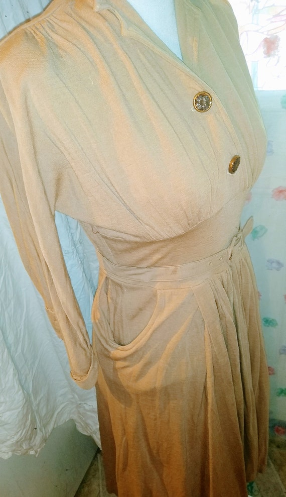 1940s Jersey Day Dress With Belt - image 2