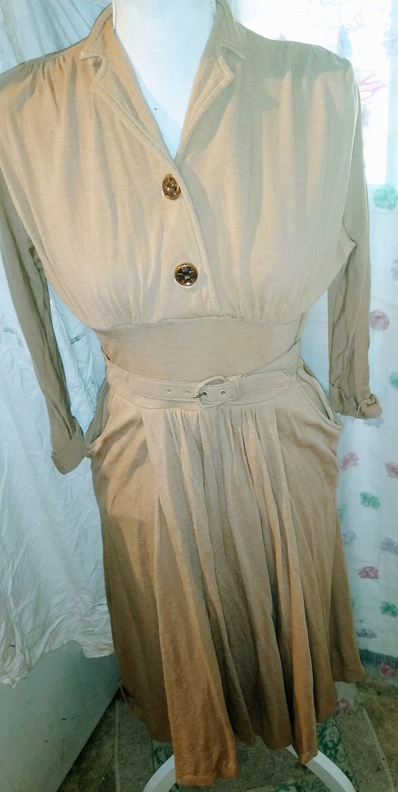 1940s Jersey Day Dress With Belt - image 1