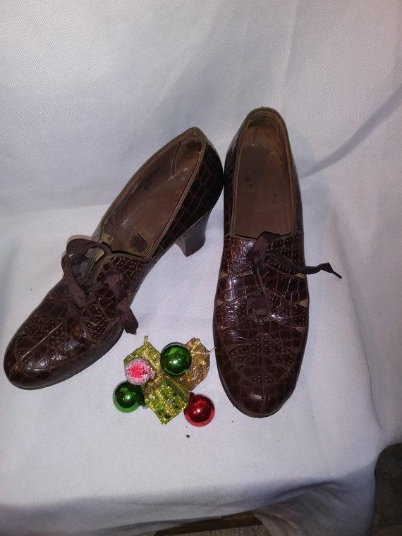 1930s Red Cross heels