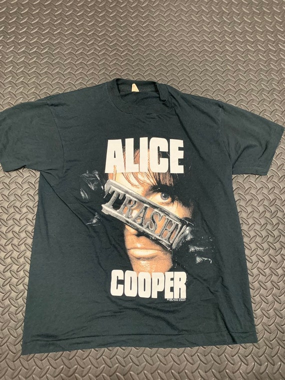 Vintage 80s Alice Cooper Thrashes Canada 1989 Band