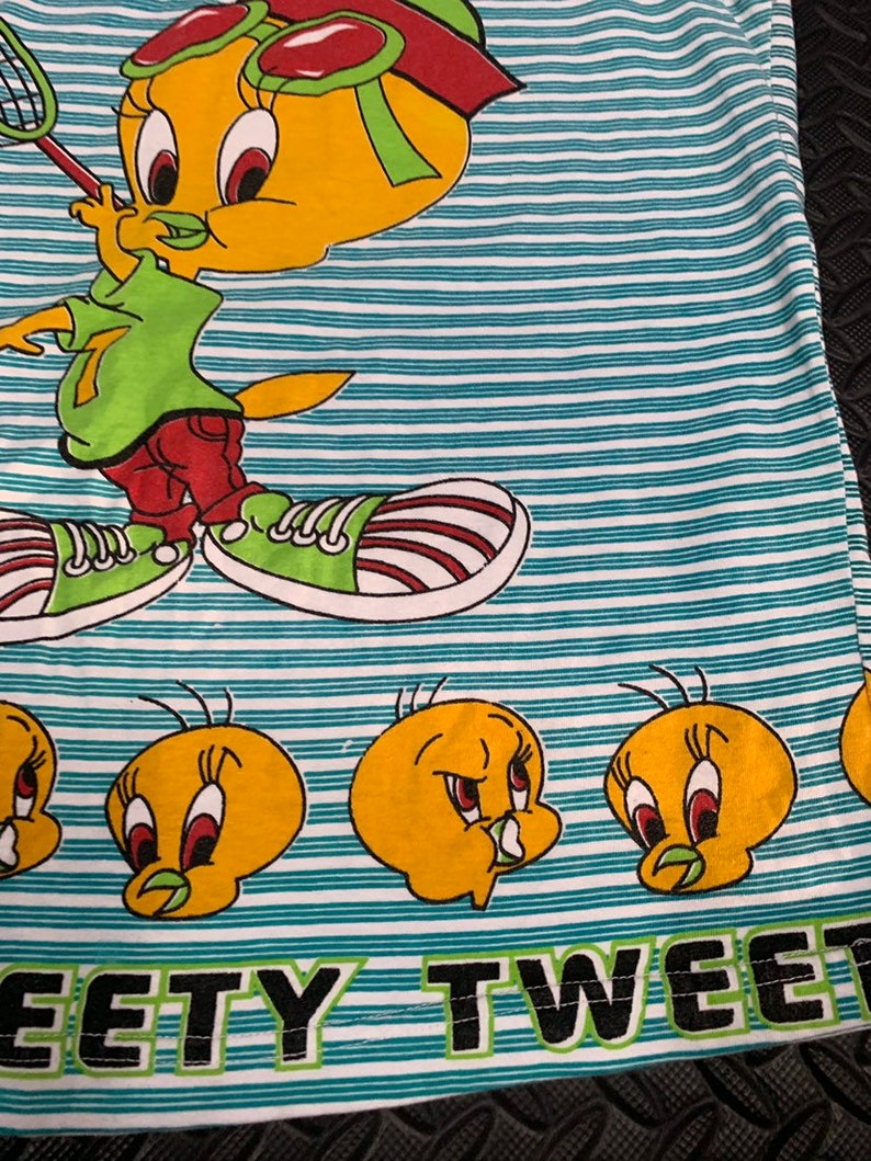 Vintage 90s Tweety Bird Looney Tunes All Over Print tank top
