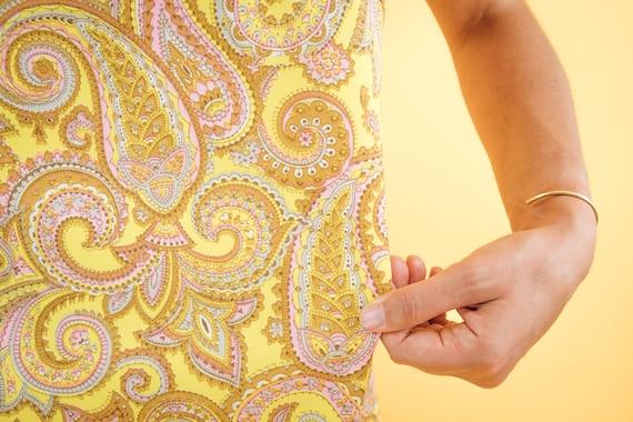 Yellow Paisley Print 60s Shift Dress - image 4