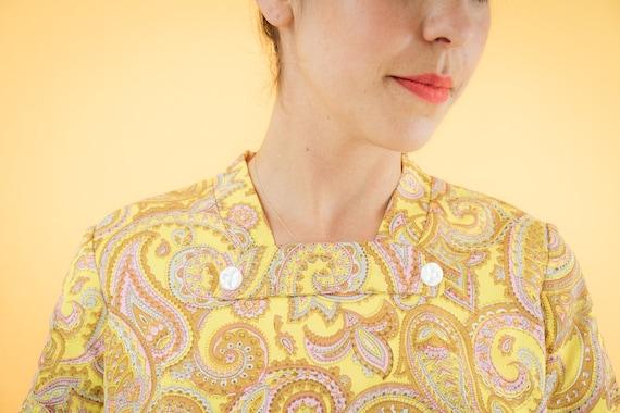 Yellow Paisley Print 60s Shift Dress - image 3