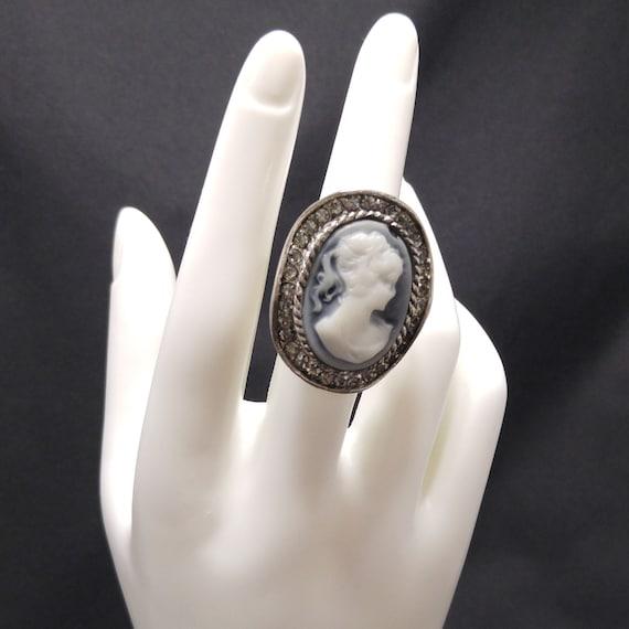 Vintage Lucite Cameo Rhinestone Ring, US Size 7 1/