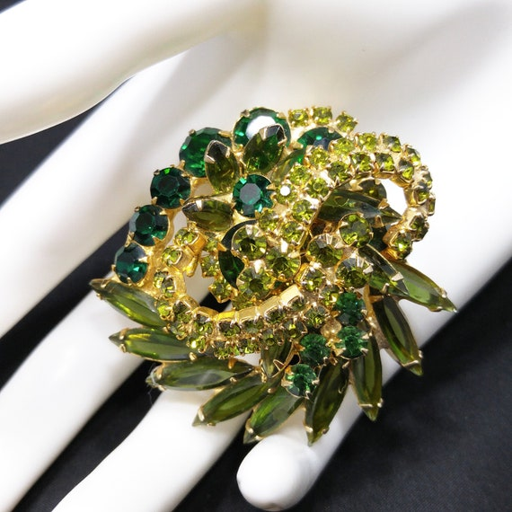 Delizza /& Elster Juliana Cream Mopnstone with Brown and Light Green Rhinestones Demi Parure 1950s Bracelet and Earrings Set Gold Tone