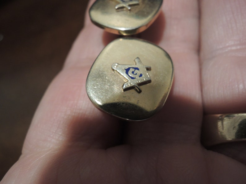 Vintage gold filled Masonic emblem Cuff links Emblem is  1965 era