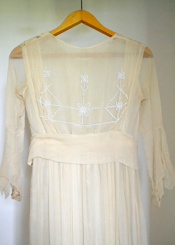 20s silk wedding short dress, flower beads, vintag