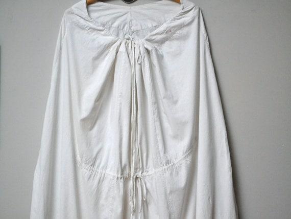 Edwardian or Victorian white petticoat, coton slip