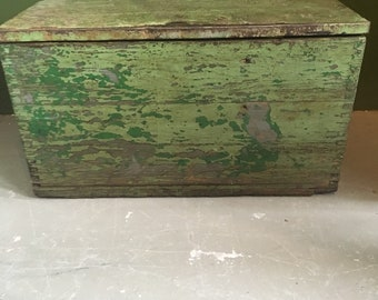 Beautiful old wooden green box with original paint