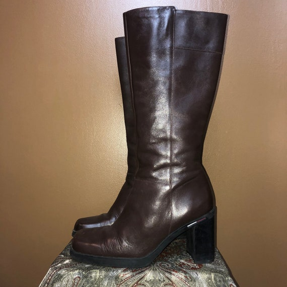 889d5fd6cb4 Chocolate Brown Vintage Tommy Hilfiger Boots