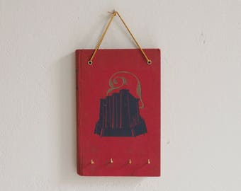 Key book-The Bastille-four hooks