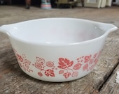 1958 Vintage pyrex oven casserole baking dish pink gooseberry 472 1 1 2 PT made in U.S.A.