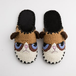 Slippers Grumpy Cat Crocheted Grumpy Kitty Hat Funny shoes for adults Baby cat shoes  funny baby shoes Non Slip Handmade