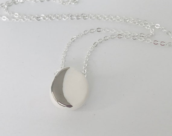 White Gold Moon Diffuser Necklace