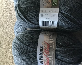 6 skeins Patons Classic Wool Worsted