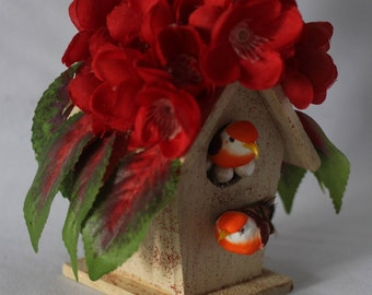 Happy Birds Handcraft Decorated Mini House