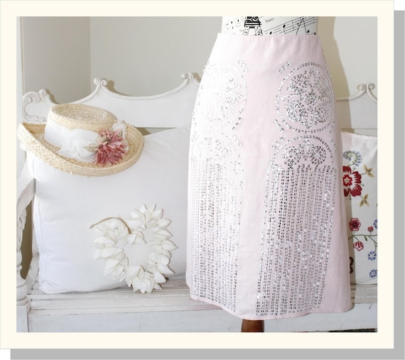 Women's Beautiful Pale Pink Linen Skirt With Silve