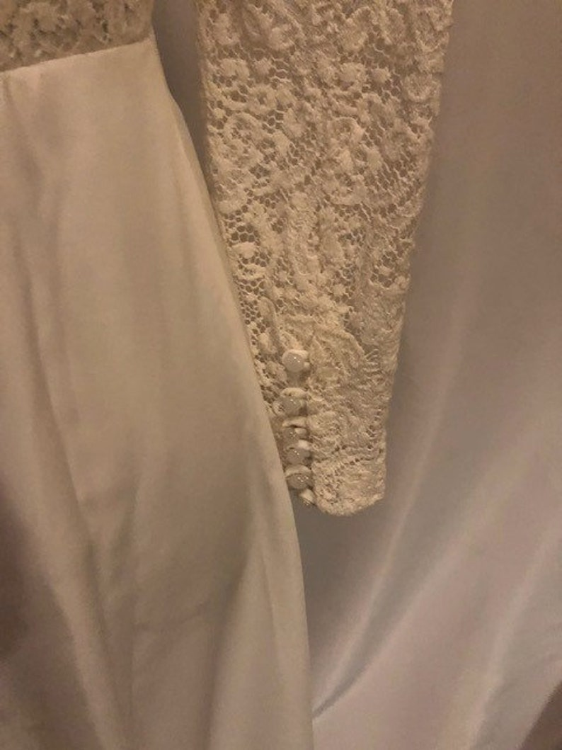 Size 68 Three Quarter Length Button Up Sleeves And Floor Length Skirt Vintage 1960s Handmade White Wedding Gown With Lace Scoop Neck Top