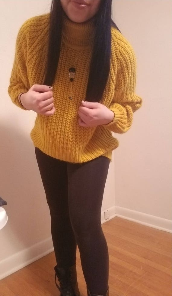 678a75c9d46 Vintage yellow oversized sweater