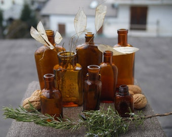 set of 8 italian vintage old antique amber apothecary herbal little bottles pharmacopea