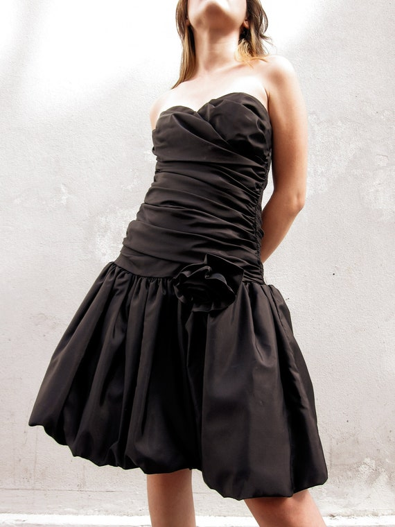 Vintage Black Sweetheart Strapless Cocktail Dress,